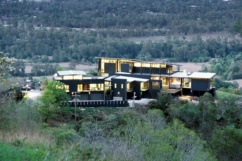 Bushfire resistant homes