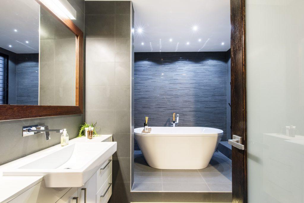 image of hawthorne queenslander renovation ensuite bathroom