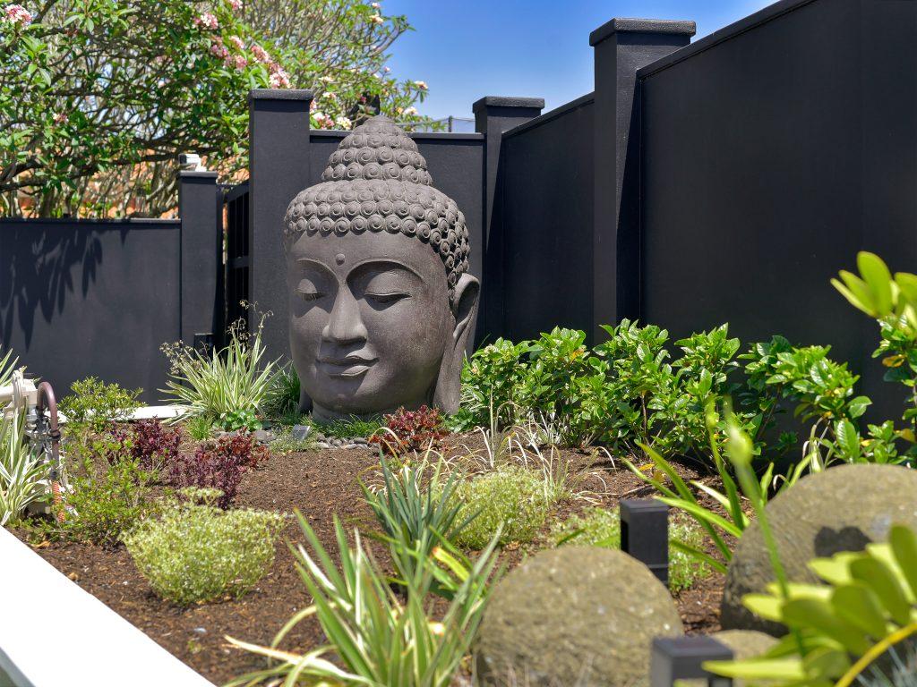 image of renovated hawthorne queenslander landscaping and garden ornaments